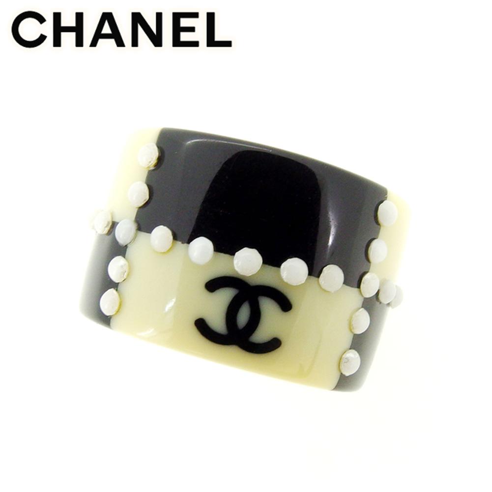 82b734c1fafa ... レディース | シャネル CHANEL 指輪 リング アクセサリー レディース ココマーク ベージュ ブラック ホワイト 白 プラスチック指輪  T7476s . | ヴィンテージ 良品 ...