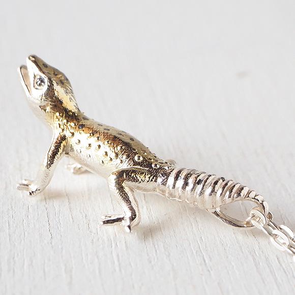 伊藤慧爬行动物动机配饰·手佣人珠宝吊坠个性性的可爱的真实动物蜥蜴