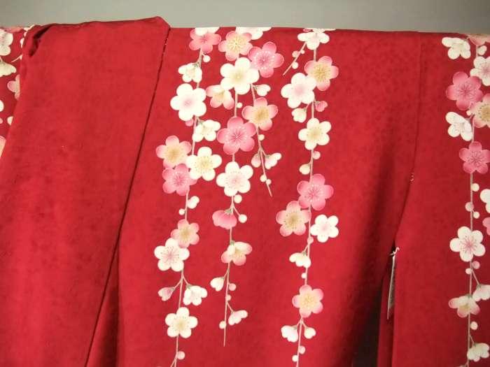 有纯丝缝制的长袖和服●红色地梅花花纹●hr087s