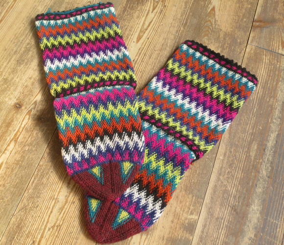 古董和土耳其手工编织羊毛袜子多色橙 / 多彩锯齿边框/23 厘米