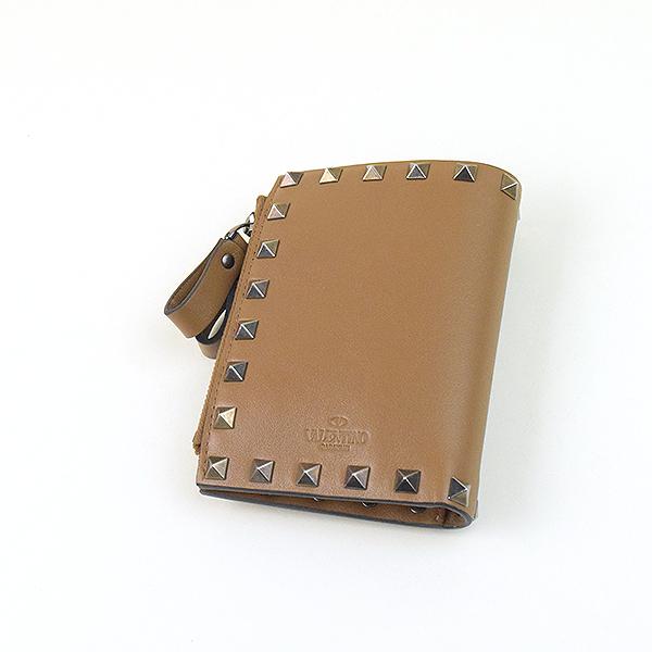 f492b2d0cbc3 【】VALENTINO ヴァレンティノ ロックスタッズレザー2つ折りウォレット 財布 ブランド  ブラウン【mch_ss】【Accessories】【10~49%OFF】