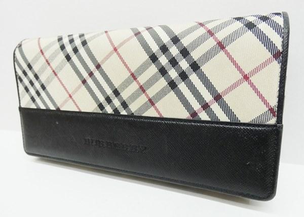 6ed0a0151872 ... バーバリーチェック柄二つ折り長財布カラー:ベージュ系 性別タイプレディース商品の状態USED感はありますが、まだまだ使用いただける商品です。