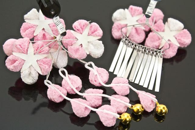 拇指制作两个点集 753 粉红色蝴蝶鲜花花绉睡觉 patchin 固定的头发装图片