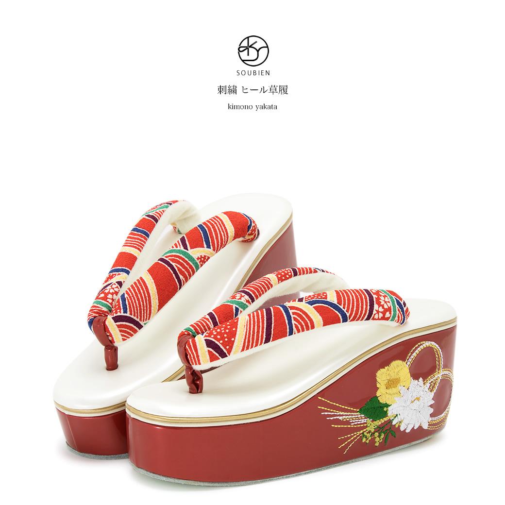 65f6d9e2359b4e 草履 袴 白 ホワイト 赤 被布 レッド 刺繍 菊 椿 小紋 花 水引 青海波 ...