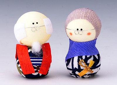 祖父母亲套手工制作民俗艺术日本图案纸娃娃是日本制造的.