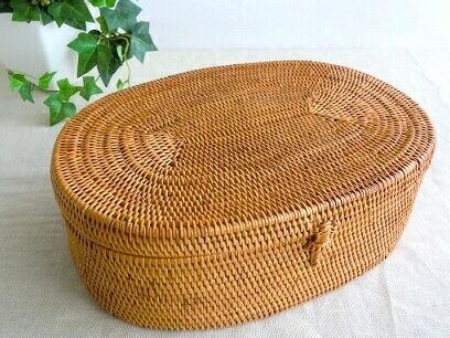 由简单的椭圆形框的阿塔篮子