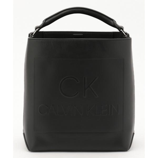 【型押しロゴ】バケツ型ロゴバッグ/カルバン・クライン ウィメン(Calvin Klein women)