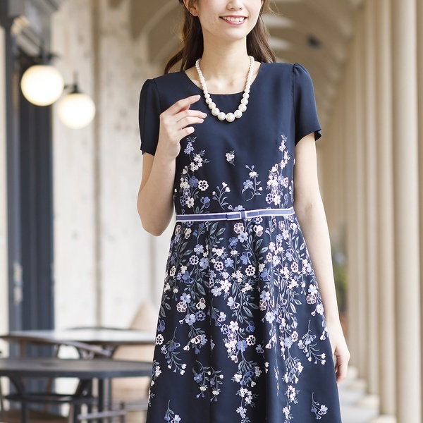 ウエストリボン刺繍ワンピース/ローズティアラ(大きいサイズ)(Rose Tiara)