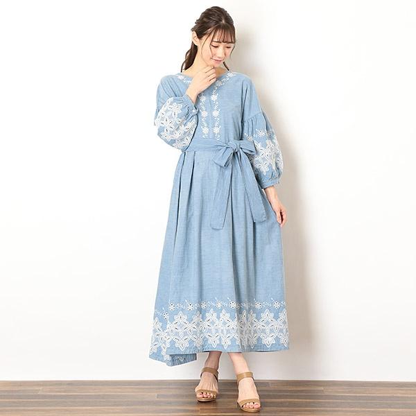 アイスウォッシュ刺繍デニムマキシ丈ワンピース(オリジナル刺繍)/ドールアップ ウップス(doll up oops)