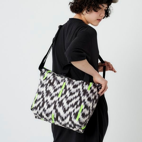 DELUXE EASY CARRY TOTE/サンドストーム/レスポートサック(LeSportsac)