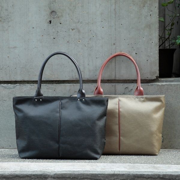 【日本製】軽量ナイロン&ポリエステル混紡ツイル×レザートートバッグ/オティアス(Otias)