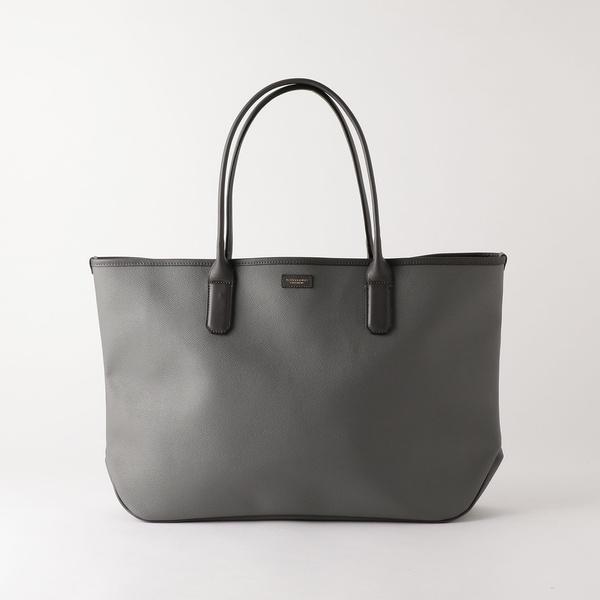0c831c560e9a ビューティ&ユース(メンズ)(BEAUTY&YOUTH)のBY コーティング エンボス トートバッグ。 シンプルなデザインとほどよい光沢が上品な印象の トートバッグ。