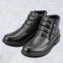 氷雪にも強い隠スパイク防水靴