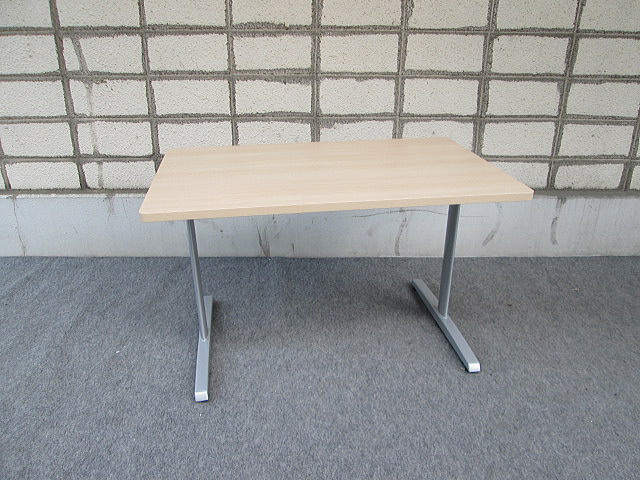 (株)オカムラ 会議用テーブル1275 8177シリーズ ミーティングテーブル【中古品】2~4人用