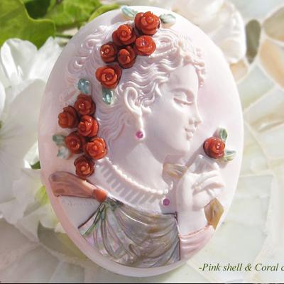 Maestro Aniello Pernice作コンクシェルカメオルース世代を超える名作【ルビーと薔薇と美女】