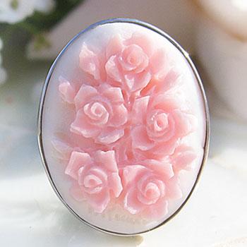 Raffaele Pernice作コンクシェルカメオK18WG リング【指先を彩る薔薇の花束】