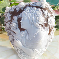 サードニクスシェルカメオMassimo Balzano作感動的な美しさ!後世に語り継がれる彫刻芸術【SINCERITA シンチェリータ (真心)】