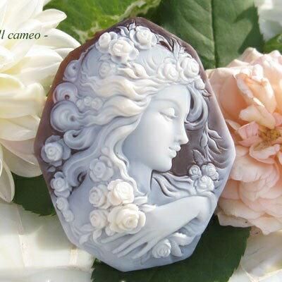 美しい作品です 大放出セール カメオ ルースCiro 開店祝い 薔薇の貴婦人 Accanito作シェルカメオ