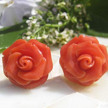 高級品 天然赤サンゴの美しいピアス 希少作品 Antonello Accanito作 天然上質 赤珊瑚カメオ K18 ピアス 美しい赤い薔薇 新色追加して再販