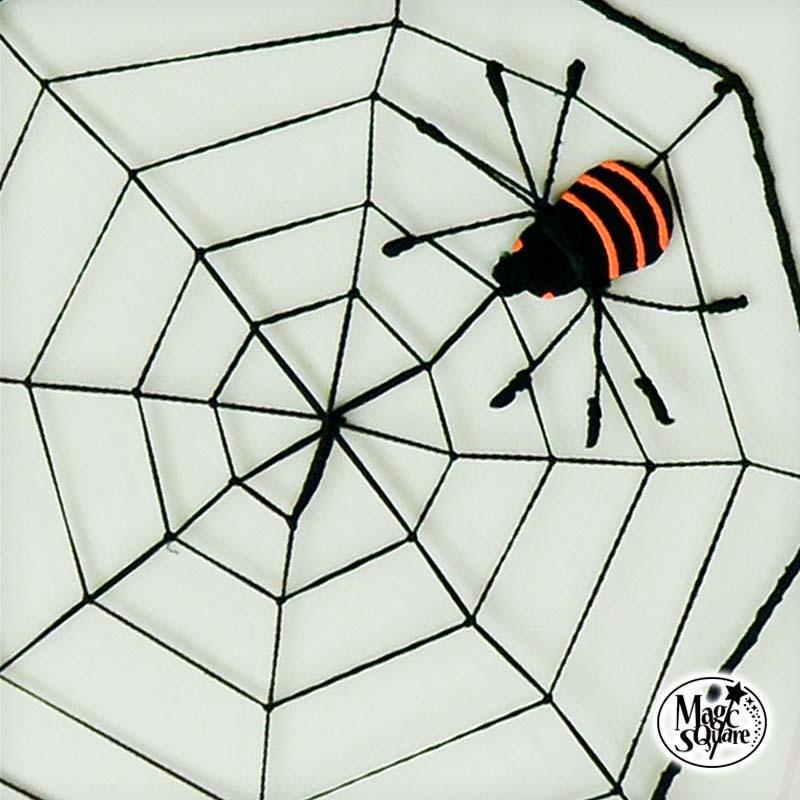 ハロウィングッズで盛り上げよう ちょっと怖くてかわいいクモが付いた蜘蛛の巣ネットウォールステッカーとも相性抜群 ハロウィン 飾り 蜘蛛の巣 ネット 大 41cm×41cm ウォールステッカー 壁紙 ハロウィン雑貨 インテリア 黒 蜘蛛 クモの巣 クモ 白黒 パーティグッズ 割引 壁面飾り パーティー モノトーン 装飾 日本 くも