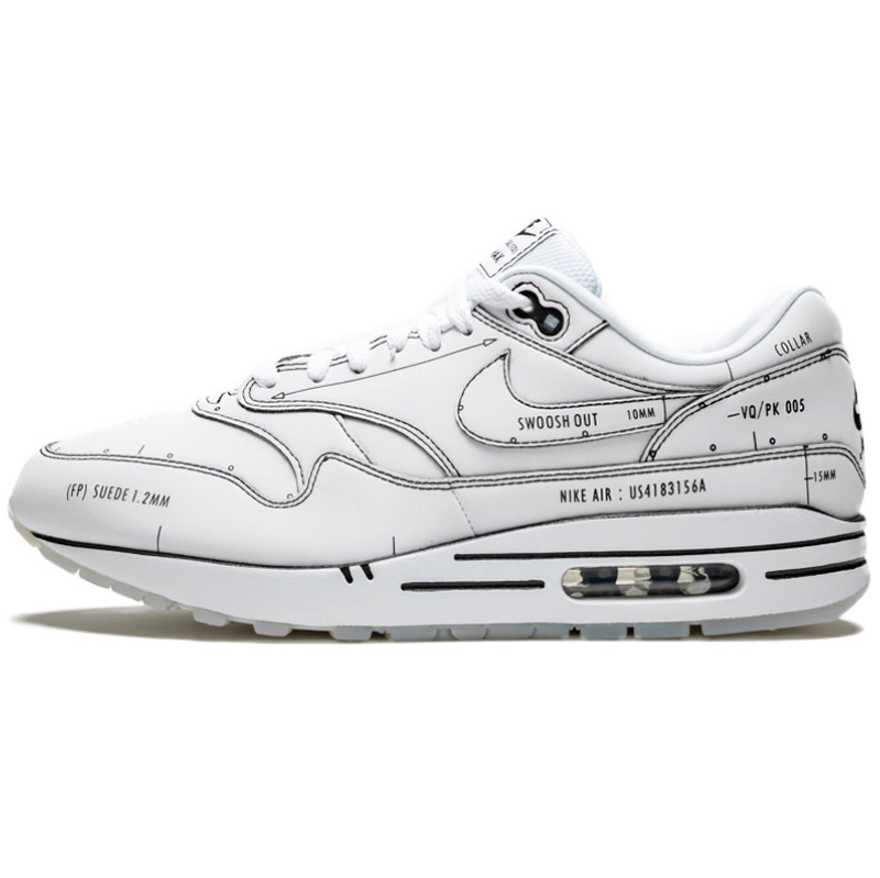 air max one black and white