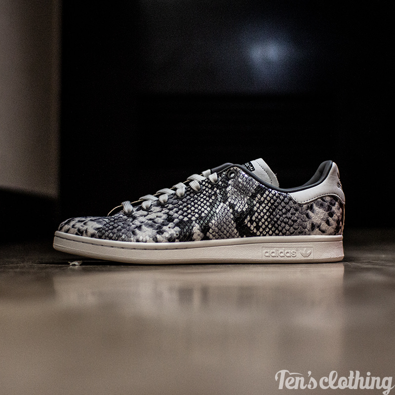 hot sale online 23f88 ae702 ADIDAS ORIGINALS Adidas originals STAN SMITH 'SNAKESKIN' Stan Smith