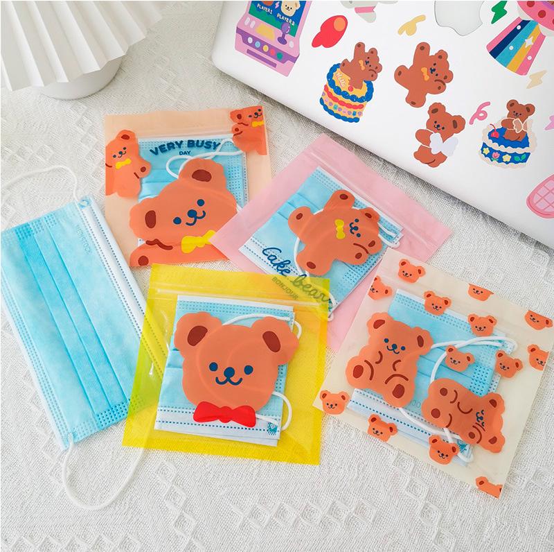 韓国で超人気 Milk Joy リボンクマ ストックバッグ 可愛いクマさんにマスクや小物保管してもらっちゃおう トレカデコアイテムの収納にもお出かけにもピッタリ MILKJOY ストックバック 激安格安割引情報満載 ジップロック チャック袋 小物入れ マスクケース コインケース コインポーチ クマアイテム くまさん トレカ ジップバッグ ZIPBAG 韓国 文房具 ポーチ 韓国風 格安SALEスタート KG21_MJ001 ポーチの中身 マルチケース クマ