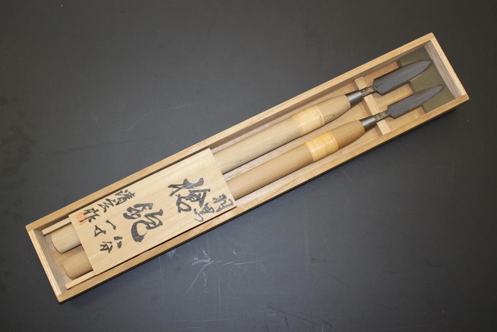 【送料込】 羽黒 槍鉋 1尺柄 桐箱入 24 30mm