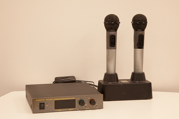 【中古】BeMax赤外線 ワイヤレスマイクセット RV700 RM700