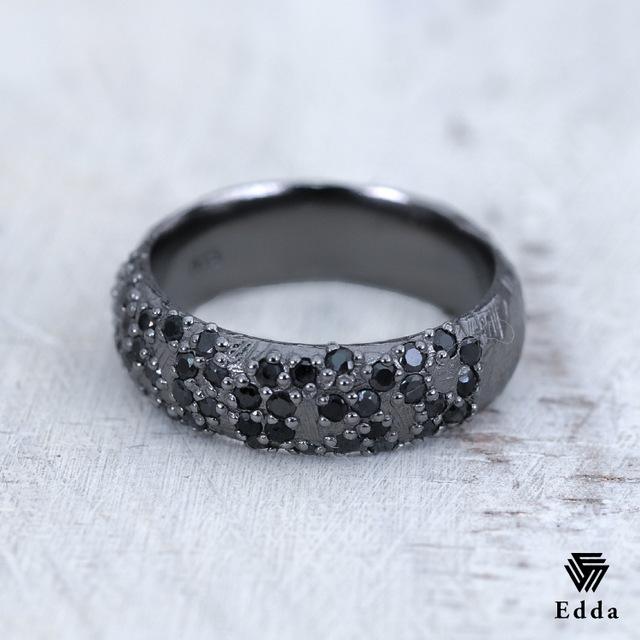 『送料無料』 個性が光る指輪 存在感を主張するごつめリング 1号からのサイズ展開 シルバー925 ジルコニア キュービック おしゃれ ブラック アンティーク加工 黒 メンズ レディース 19juuku Edda エッダ