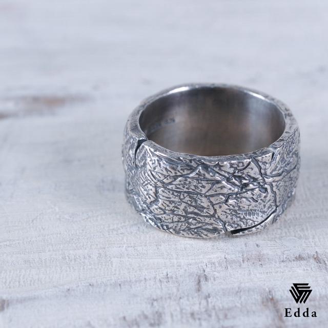 選べるサイズ  太いリングがかっこいい プレゼントにもおすすめ 大きいサイズ おしゃれ 指輪 リング シルバー925 アンティーク加工 黒 メンズ レディース 19juuku Edda エッダ