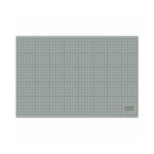 (まとめ) ライオン事務器 カッティングマット 再生PVC製 両面使用 450×300×3mm 灰/黒 CM-4512 1枚 【×5セット】