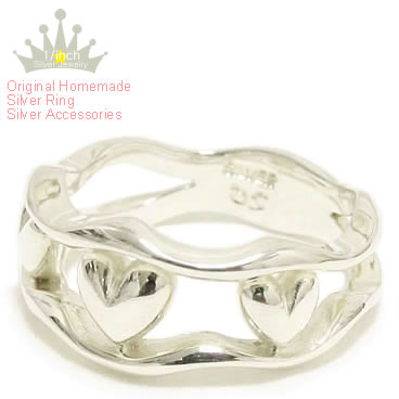 可愛い大人のシンプルハートデザイン スリーハーツシルバーリング-Ruby marguerite-指輪 レディース アクセサリー 大人シンプル OUTLET SALE ハートモチーフピンキー メイド 捧呈 特大 かわいい 小さい オーダー 手作り サイズ