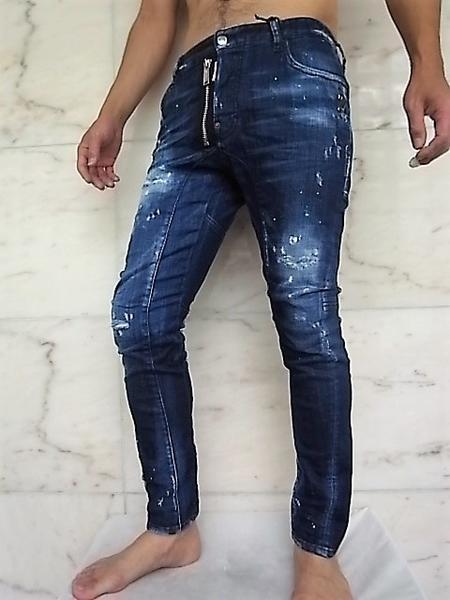 """Tight silhouette"" stretch denim bikie Jeans with the DSQUARED2 (Dis kelp grouper ard) ""STRETCH DENIM"" ""MEDIUM BLUE STITCHED GREEN SPOTS WASH"" front desk zip★"