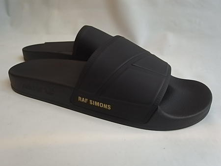"adidas by RAF SIMONS (Adidas by rough Simmons) ""LIMITED EDITION"" ""BUNNY ADILETTE"" rubber sandals ★ CORE BLACK/CORE BLACK/PYRITE★"