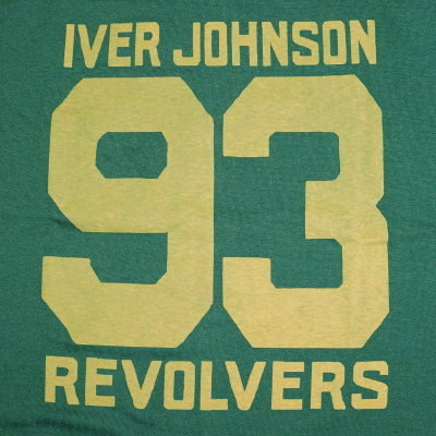 !URES-04-REVOLVER-URES04-DELUXEWARE- deluxeware half-length sleeves T-shirt in the advance reservation reception desk