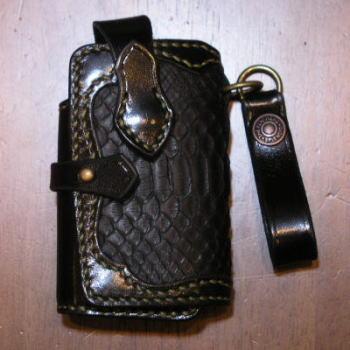 KHP-02-ブラックレッド-手縫いパイソン携帯電話ケース02-KHP02-FLATHEAD-フラットヘッド携帯電話ケースー携帯ケース-STOCKBURG-ストックバーグ【送料無料】【smtb-tk】