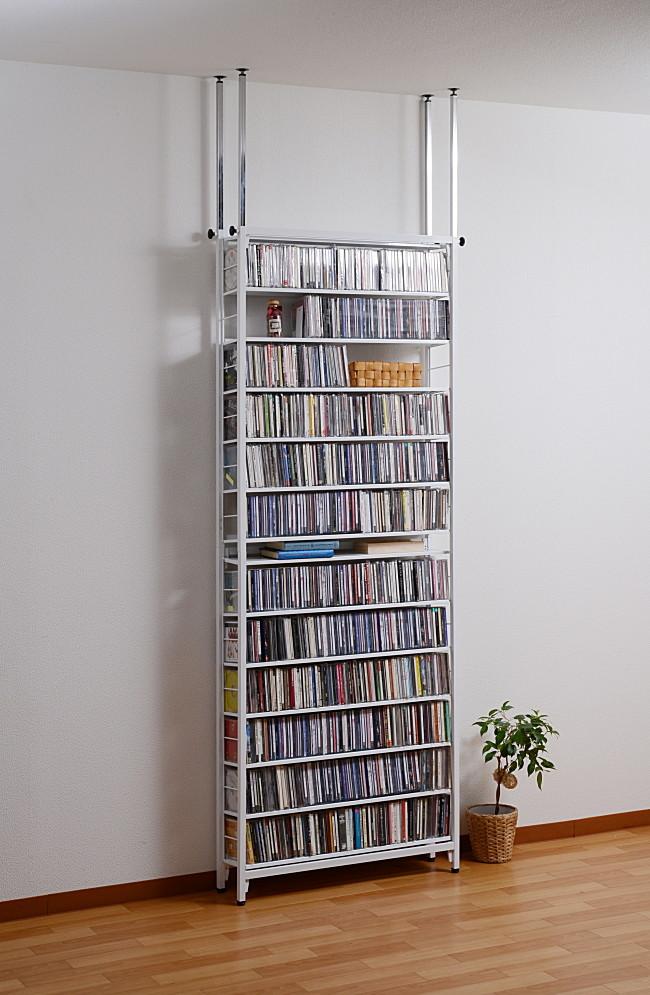 送料無料 日本製 スチール製ツッパリCDラック ホワイト 本棚 突っ張り スリム 薄型 リビングラック CD DVD収納 収納ラック オープンラック ディスプレイ おしゃれ 飾り棚 大容量収納