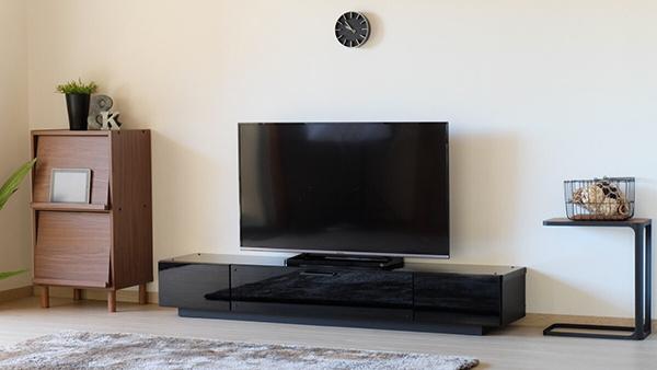 送料無料 完成品 テレビボード 幅180cm ブラック テレビボード ローボード ロータイプ 木製 引き出し 収納 コンパクト おしゃれ 北欧 モダン シンプル ミッドセンチュリー スタイリッシュ 高級感
