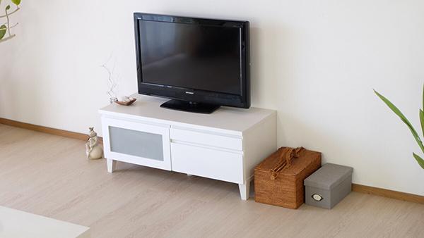 送料無料 完成品 光沢が美しいテレビ台 幅100cm ホワイト 鏡面仕上げ テレビボード ローボード ロータイプ 木製 引き出し 収納 おしゃれ 北欧 モダン シンプル ミッドセンチュリー スタイリッシュ 高級感