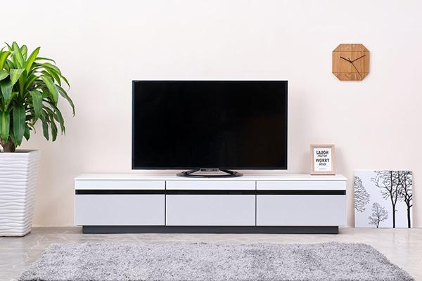 送料無料 完成品 TVボード 幅180cm ホワイト テレビ台 テレビボード ローボード ロータイプ 木製 引き出し 収納 おしゃれ 北欧 モダン シンプル ミッドセンチュリー スタイリッシュ 高級感
