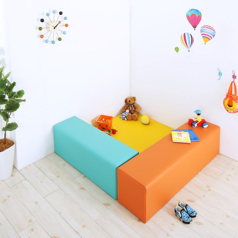 法人様必見。子供に安全安心のコーナー型キッズプレイマット Pop Kids ポップキッズ 3点セット フロアマット1枚+スツール2枚 120×120 (送料無料) 500040172