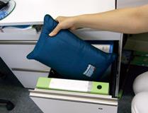 3M™ シンサレート™ オフィス災害用コンパクト寝袋収納時34cm×21cm1個
