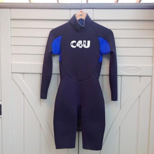【送料無料】1枚は持っておきたい! 6月 から 10月 まで使える ウエットスーツ ☆ C4U ウエットスーツ ロングスプリング ☆ バックジップタイプ 【ボディボード用】