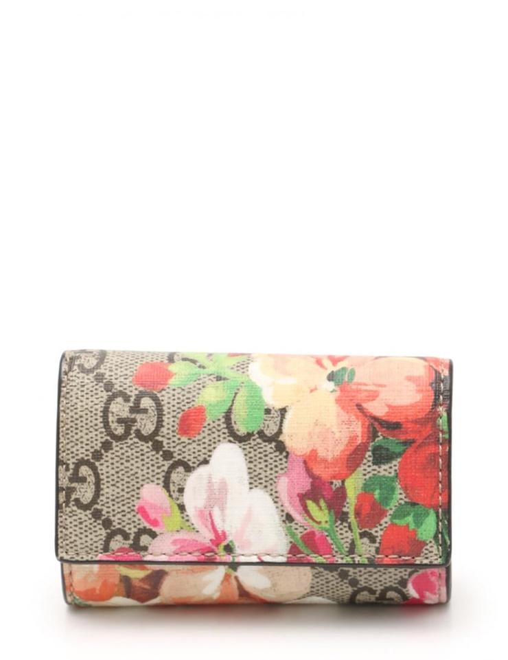 sale retailer 212d0 828af Six super beautiful article GUCCI Gucci GG bloom key case 410084 floral  design PVC beige multicolored