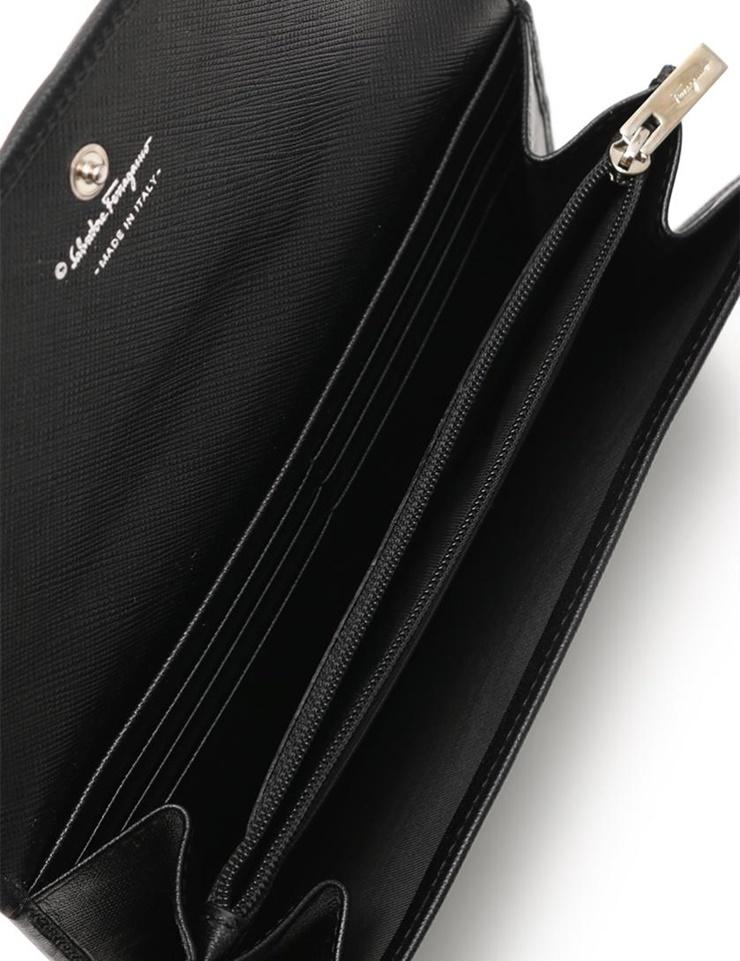 新品未使用展示品 Salvatore Ferragamo サルヴァトーレフェラガモ ヴァラ 二つ折り長財布 22 A994 レザー 黒 本物保証I9WEDH2Y