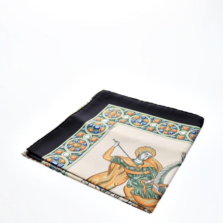 新品未使用展示品 HERMES エルメス カレ 90 スカーフ 正義の騎士の勝利 シルク【本物保証】【中古】