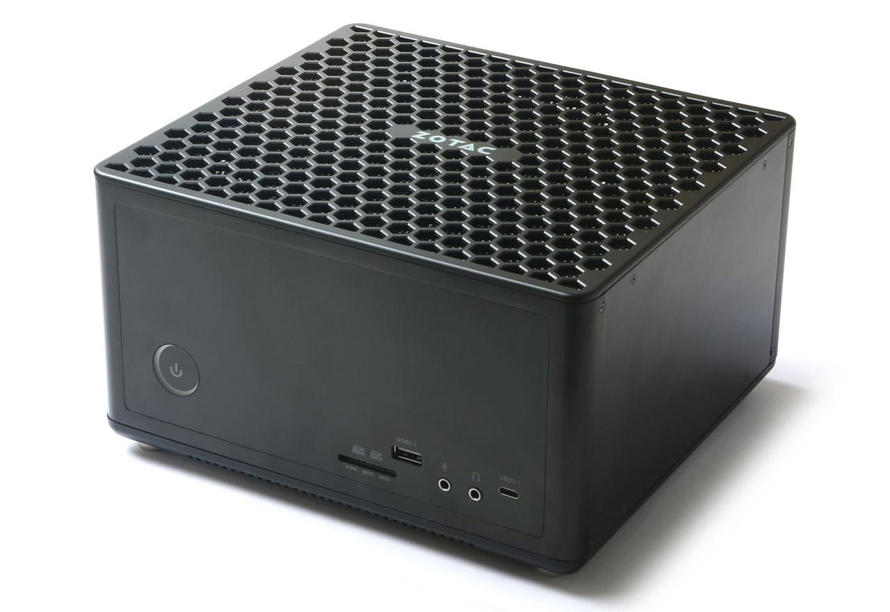 ZOTAC ZBOX-EK71070-J NVIDIA GeForce GTX 1070、Intel Core i7-7700HQ搭載。優れたVR体験とゲーミング性能を実現するハイパフォーマンスモデルのベアボーン(PC3406)【少量在庫有り!】