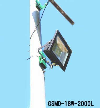 ソーラーLEDライト駐車場、防犯。防災外灯2000ルーメン常夜灯 GSMD-18W-2000L【1年保証】