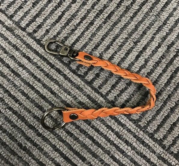 本革 ハンドメイド キーチェーン 送料無料新品 クラフト 鍵 本革100% オレンジ chain-001 カギ 送料無料 即納